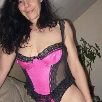 Ik ben spontaan, sexy en weet precies wat mannen lekker vinden.